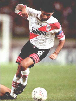 http://www.futbolpasion.com/jugadores/astr2.jpg